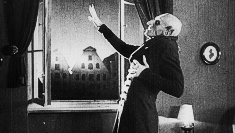 nosferatu-eine-symphonie-des-grauens-dies-death-sunlight-ending-count-orlok-max-schreck-vampire-german-expressionism-dracula-classic-review