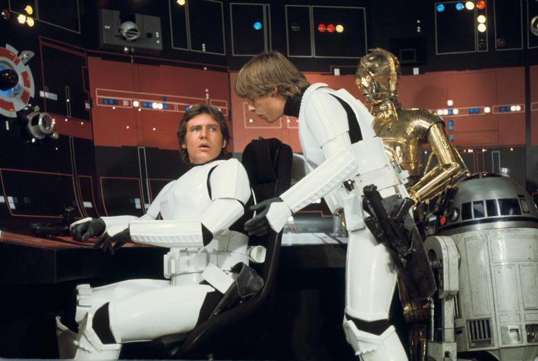 is-star-wars-episode-vii-reusing-new-hope-gag-set-photos-start-new-rumors